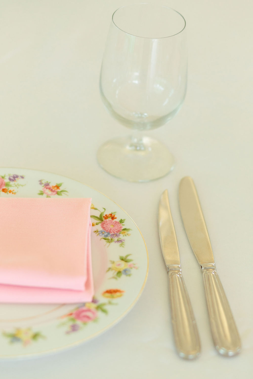 Vintage china for place setting at wedding - Preppy spring wedding at Zingerman's Cornman Farms - Leah E. Moss Designs - photo by Katie Grace Photography